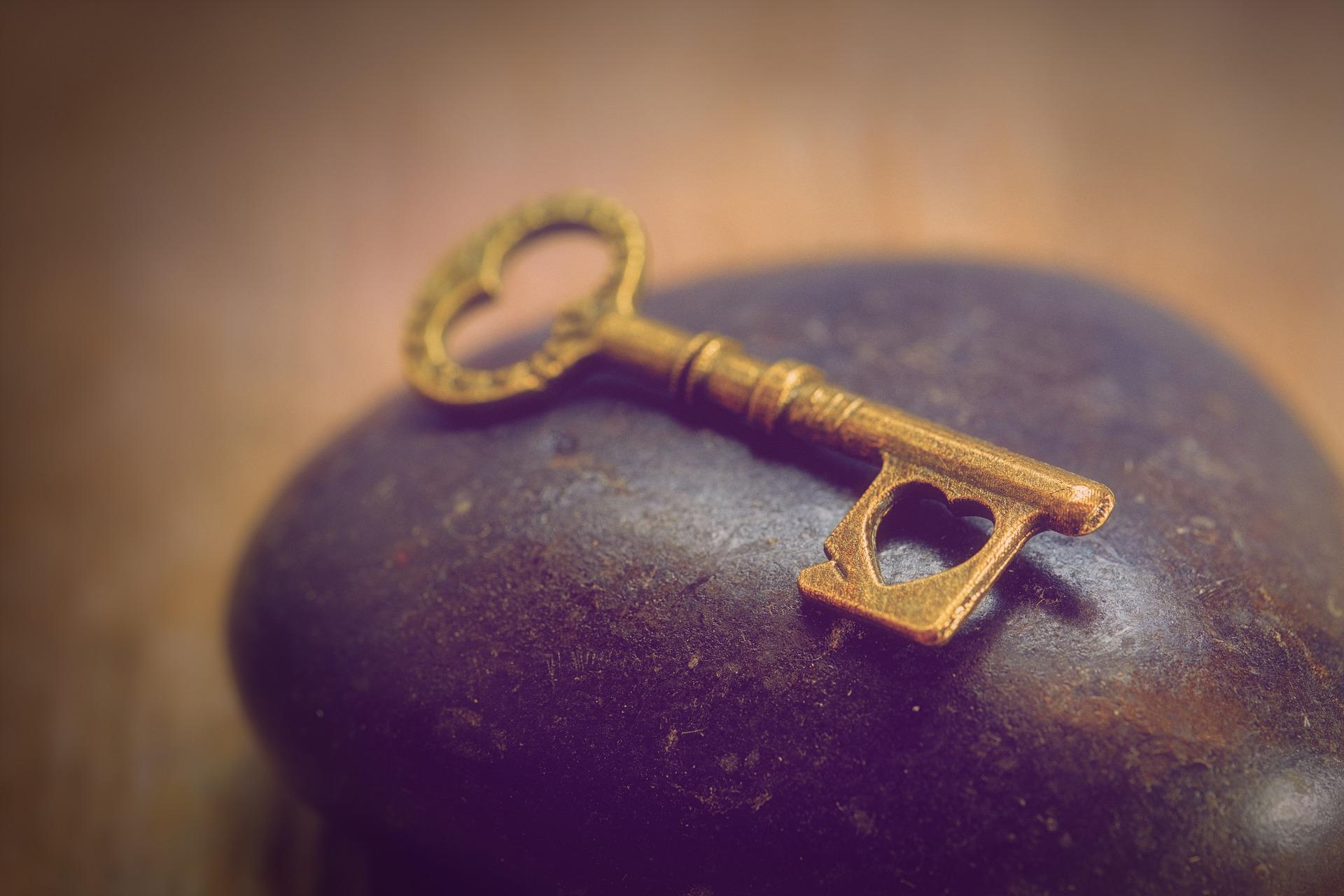 key-3197623_1920